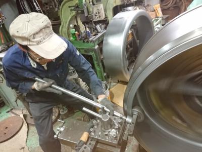 関東 埼玉 吉川 神田ヘラ絞工業 金属加工 板金 溶接